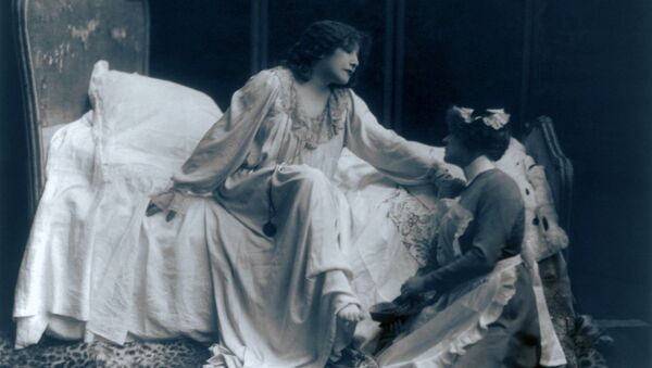 Французская актриса Сара Бернар. 1887