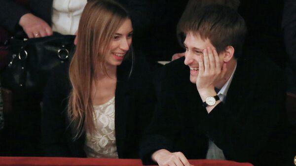 Эдвард Сноуден и его подруга Линдсей Миллс