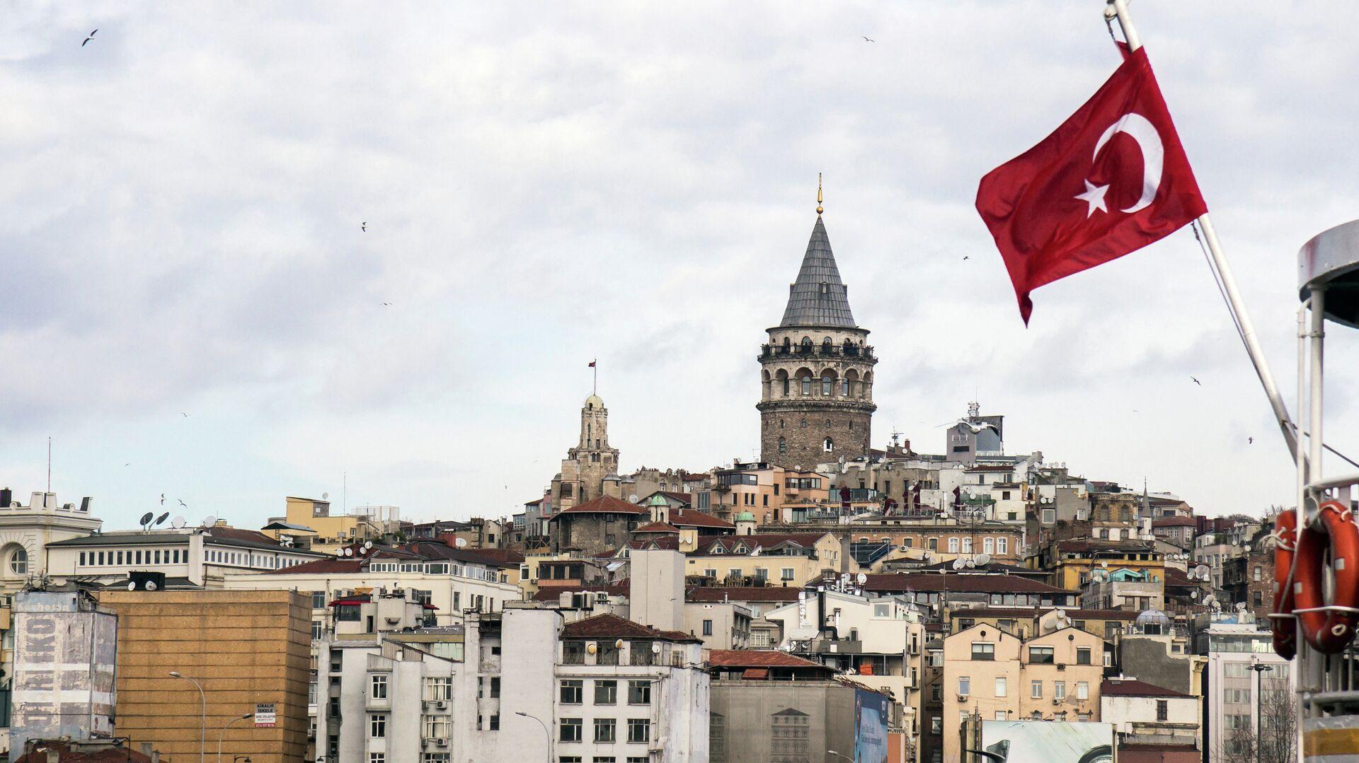 Флаг Турции на фоне Стамбула - РИА Новости, 1920, 31.05.2021