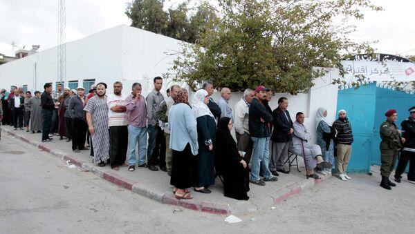 Очередь на избирательном участке в Тунисе, 26 октября 2014 года