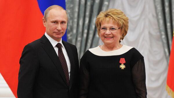 Владимир Путин и Людмила Швецова. Архивное фото
