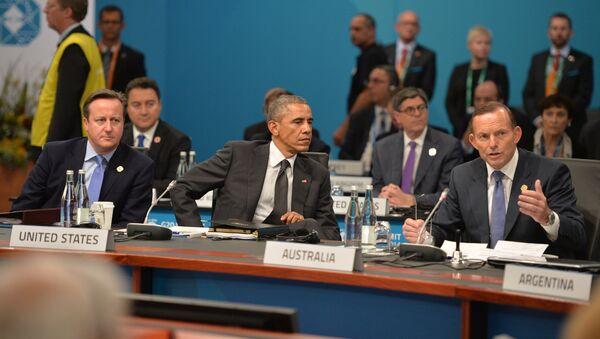 Дэвид Кэмерон, Барак Обама и Тони Эббот на рабочем заседании Группы двадцати