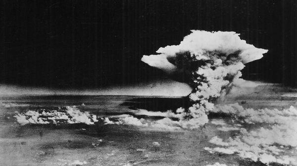 Облако от взрыва атомной бомбы над Хиросимой, Япония. 1945 год