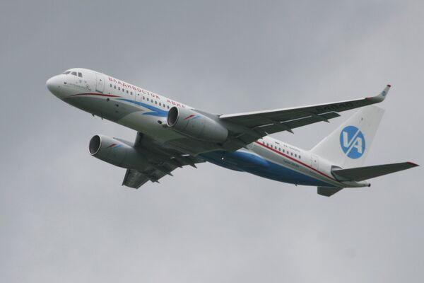 Ту-204-300 авиакомпании Владивосток Авиа