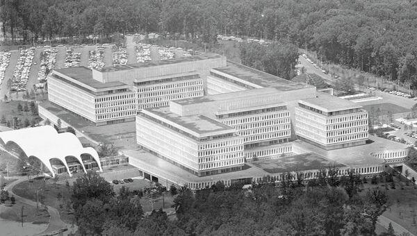 Общий вид на здание штаб-квартиры Центрального разведывательного управления, ЦРУ в Лэнгли. Архивное фото
