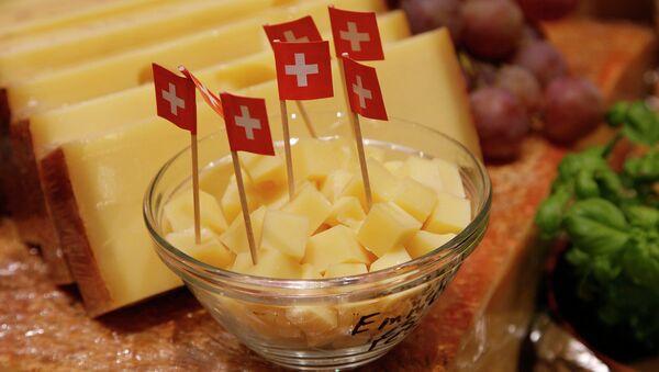 Швейцарский сыр. Архивное фото