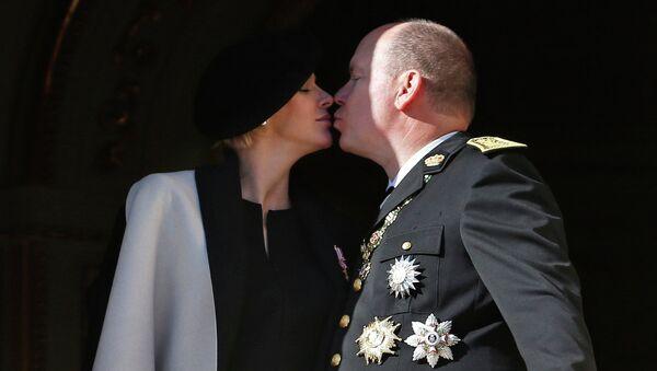 Князь Альбер II и его супруга
