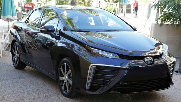 Автомобиль на водороде Toyota Mirai