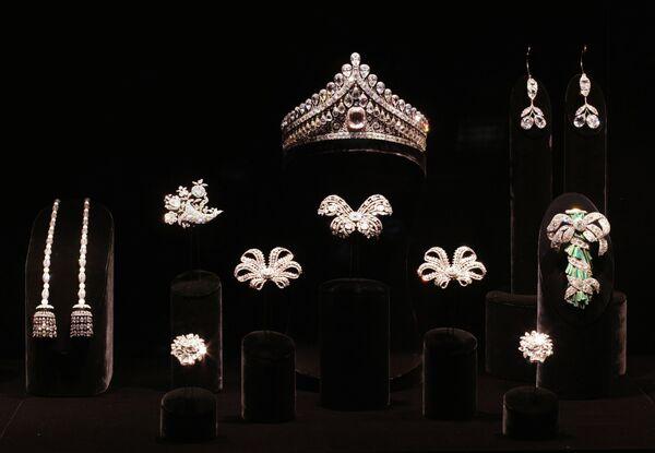 Экспонаты Алмазного фонда России