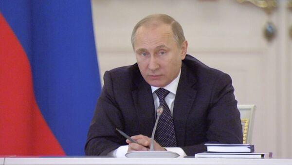 Путин объяснил, почему не стоит повышать цены на алкогольную продукцию