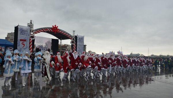 Парад Дедов Морозов в Ялте