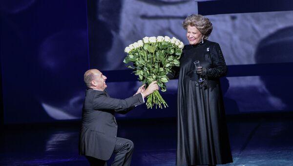 Владимир Кехман и Елена Образцова на гала-концерте. Архивное фото