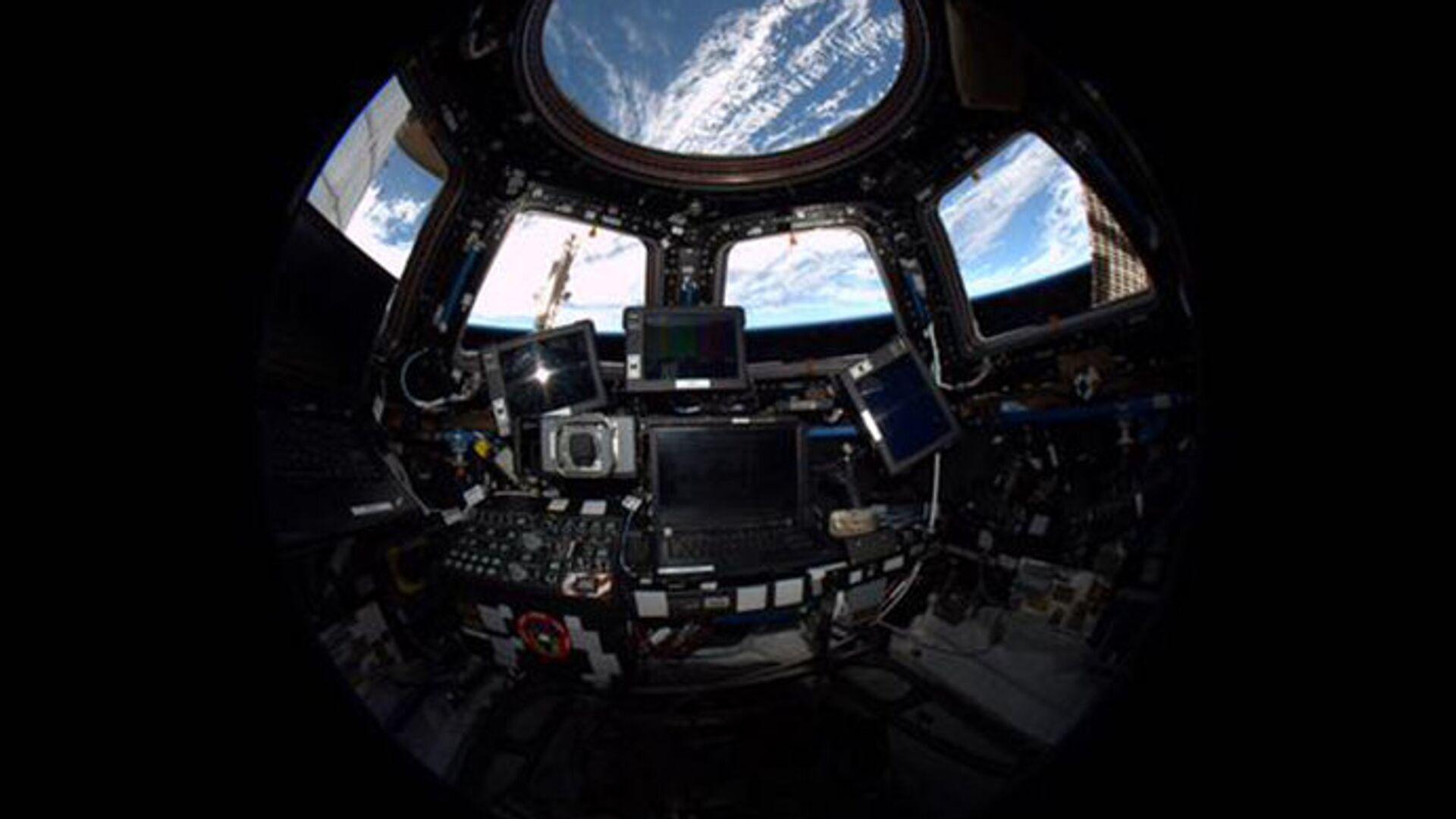 Внутренний вид из модуля. Купол Международной космической станции - РИА Новости, 1920, 01.10.2020