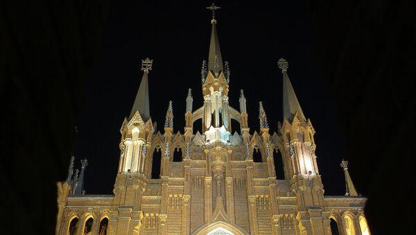 Кафедральный собор Непорочного зачатия пресвятой Девы Марии в Москве. Архивное фото