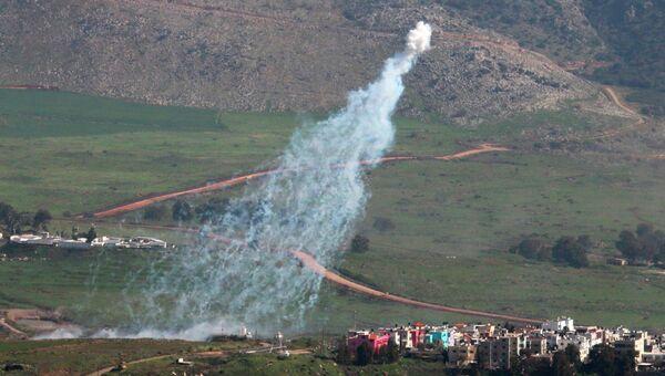 Израильские войска наносят артиллерийский удар по южному району Ливана. 28 января 2015. Архивное фото
