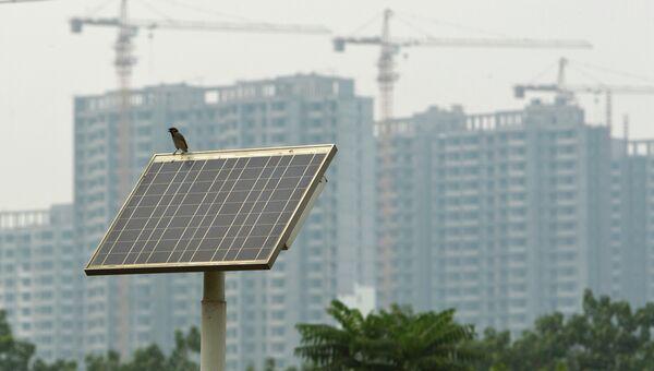 Солнечная батарея для уличного освещения в провинции Хэбэй в Китае. Архивное фото