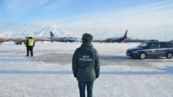 Сотрудник МЧС в Камчатском крае. Архивное фото