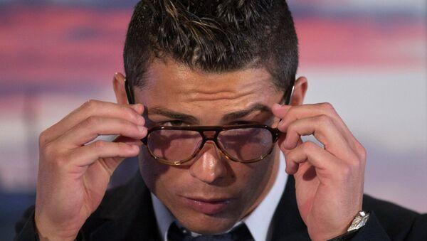 Криштиану Роналду пресс-конференции на стадионе Сантьяго Бернабеу в Мадриде