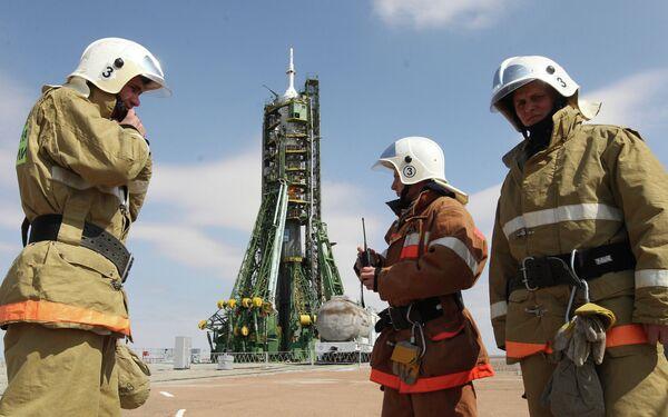 Подготовка к пуску космического корабля Союз ТМА-21 Гагарин на космодроме Байконур
