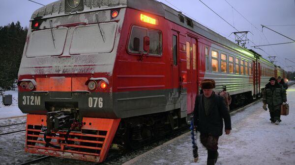 Возобновление движения пригородных поездов в регионах России. Архивное фото