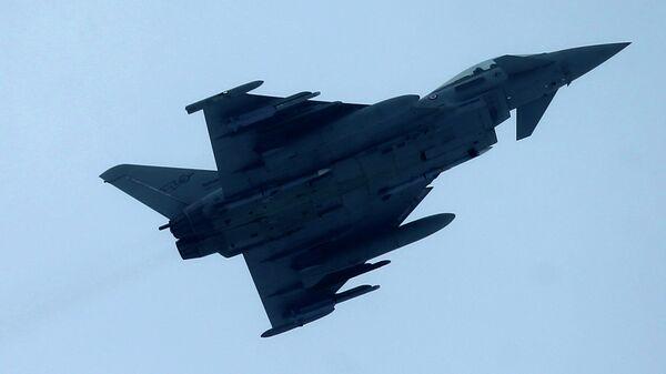 Истребитель Eurofighter Typhoon. Архивное фото