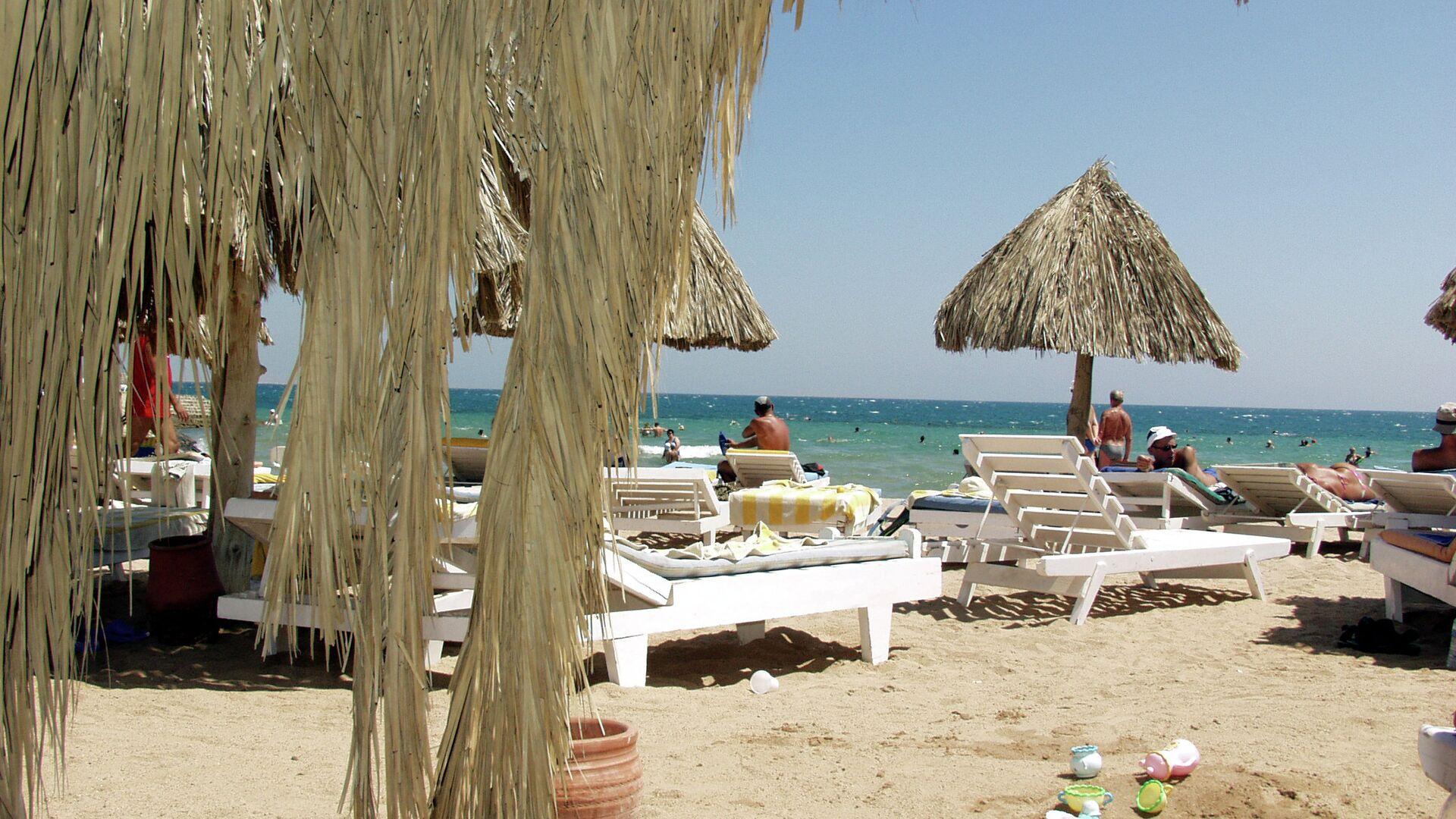 Пляж отеля Жасмин в египетской Хургаде - РИА Новости, 1920, 26.07.2021