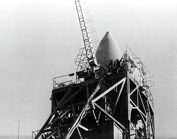 Советский пилотируемый космический корабль Восход-2 на старте