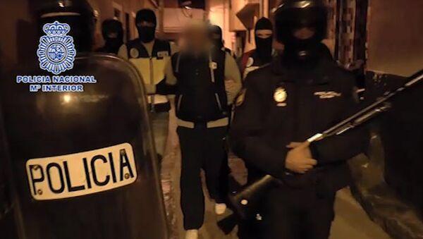 Задержание полицией Испании двух человек, которые подозреваются в участии в джихадистской организации. 9 марта 2015
