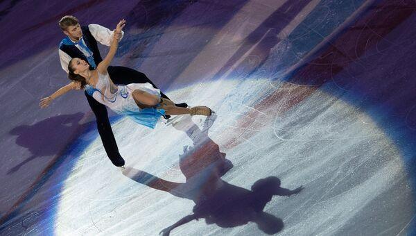Кристина Астахова и Алексей Рогонов выступают в показательных выступлениях на чемпионате России. Архивное фото