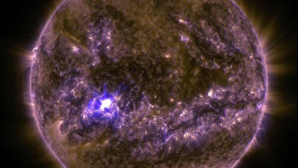 Вспышка на Солнце, снимок с солнечной обсерватории SDO