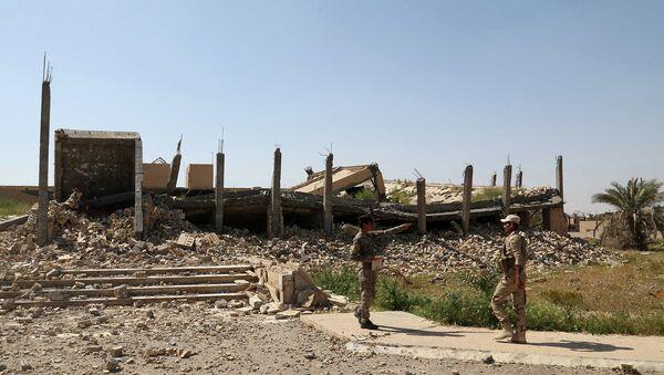 Разрушенное место захоронения Саддама Хусейна в окрестностях города Тикрит. Архивное фото