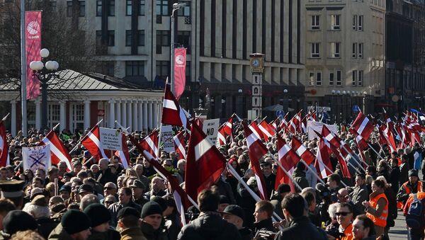 Шествие участников легиона Ваффен СС в Риге. Архив