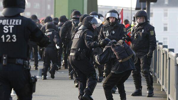 Полицейские во Франкфурте-на-Майне. Архивное фото