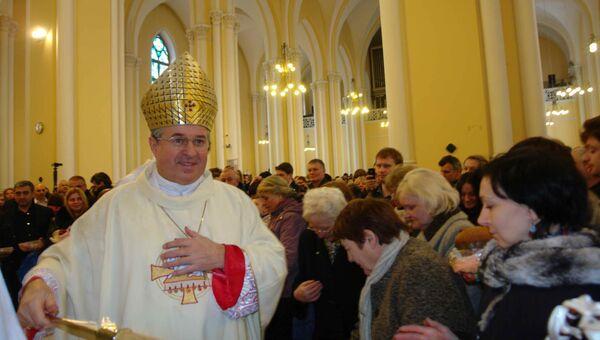 Посол Ватикана Иван Юркович возглавил пасхальную мессу в Москве