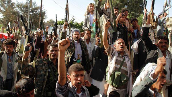 Участники акции протеста, поддерживающие шиитское движение хуситов. Архивное фото