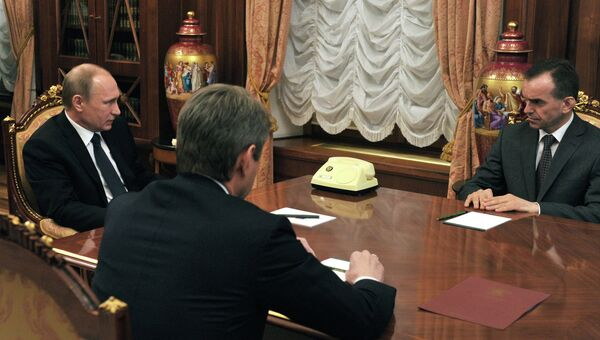 Президент России В.Путин провел встречу c губернатором Краснодарского края А.Ткачевым