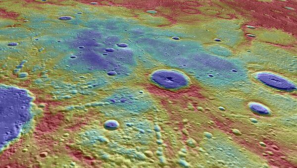 Фотография одной из «гладких равнин», в недрах которой MESSENGER нашел следы древнего магнитного поля