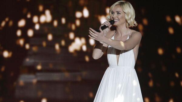 Полина Гагарина во время выступления на конкурсе Евровидение-2015