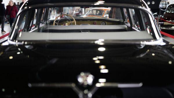 Автомобиль Чайка. Архивное фото