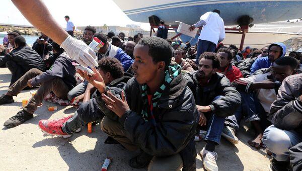 Мигранты из Ливии. Архивное фото