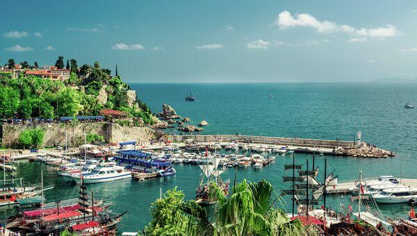 Вид на гавань в Анталье, Турция. Архивное фото.
