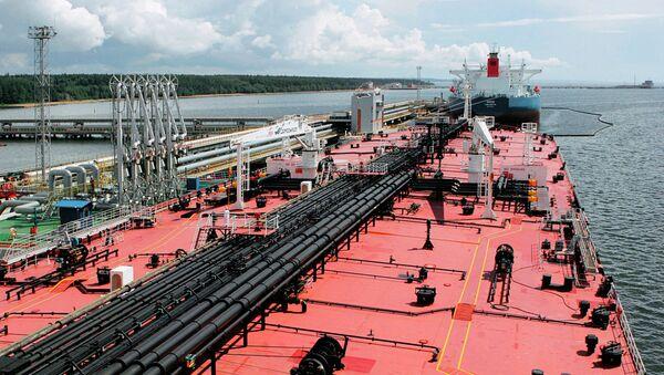 Нефтеналивной танкер. Архивное фото