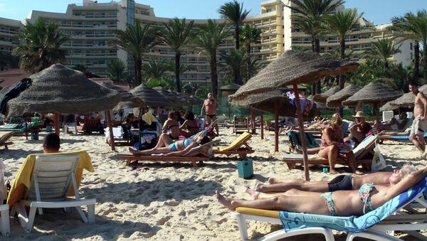 Пляж у отеля под тунисским городом Сус. Архивное фото