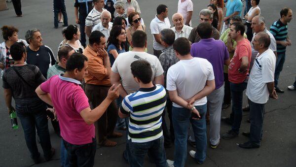 Акция протеста против повышения тарифов на электроэнергию в Ереване