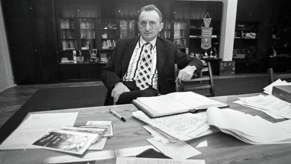 Лауреат Нобелевской премии, академик Александр Прохоров