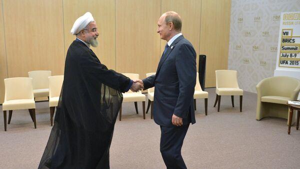 Беседа Президента Российской Федерации Владимира Путина с Президентом Ирана Хасаном Рухани. Архив