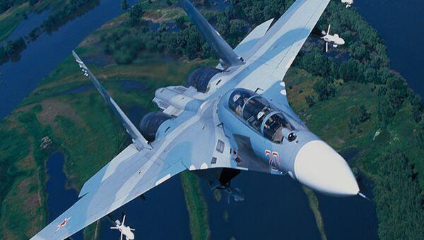 Истребитель Су-27УБК. Архивное фото