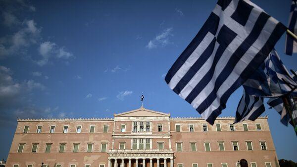 Митинг противников соглашения с кредиторами у здания парламента в Афинах, Греция. Архивное фото