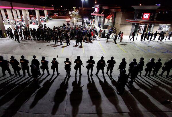 Столкновения с полицией в городе Сент-Луис, США