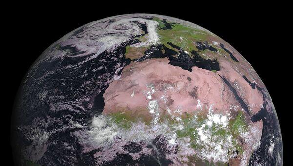 Фотография Земли, полученная погодным зондом MSG-4